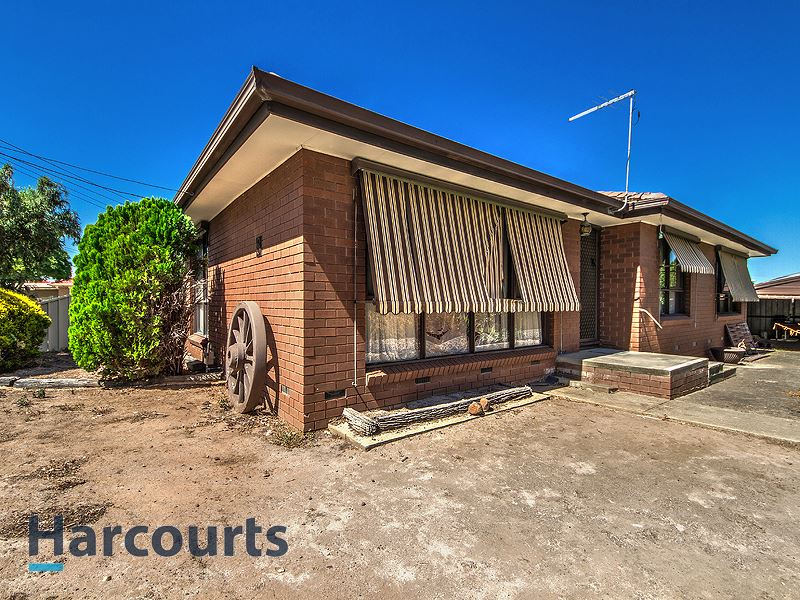 8 Wrexham Court, Deer Park, Vic 3023