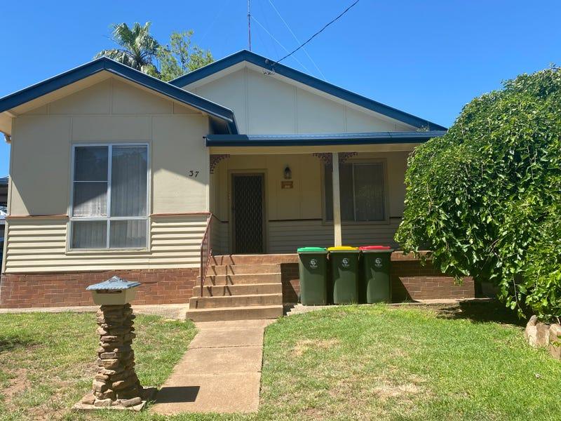 37 Woodward Street, Parkes, NSW 2870