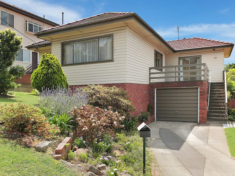 42 Heaslip Street, Coniston, NSW 2500