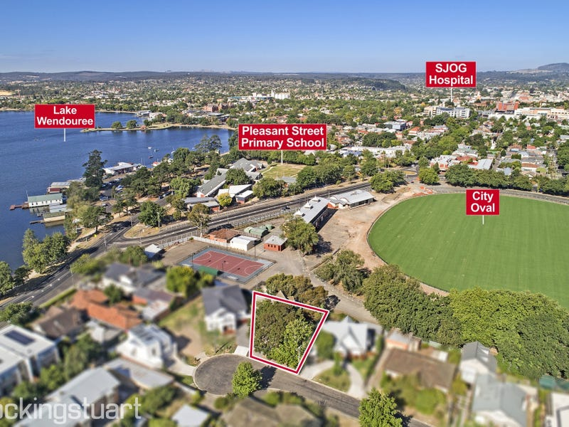 20 Tennis Street, Lake Wendouree, Vic 3350