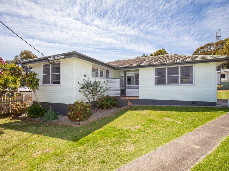 5 Pine Place, Gateshead, NSW 2290