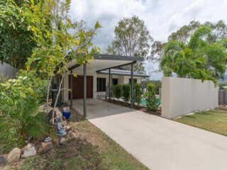 3  Beth Court, Cannonvale, Qld 4802