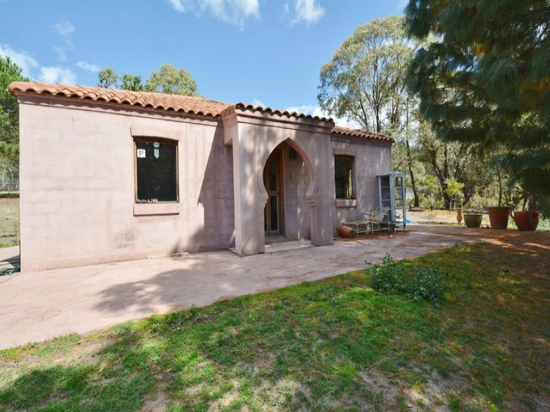 1 Hughes Lane, Marrangaroo, NSW 2790