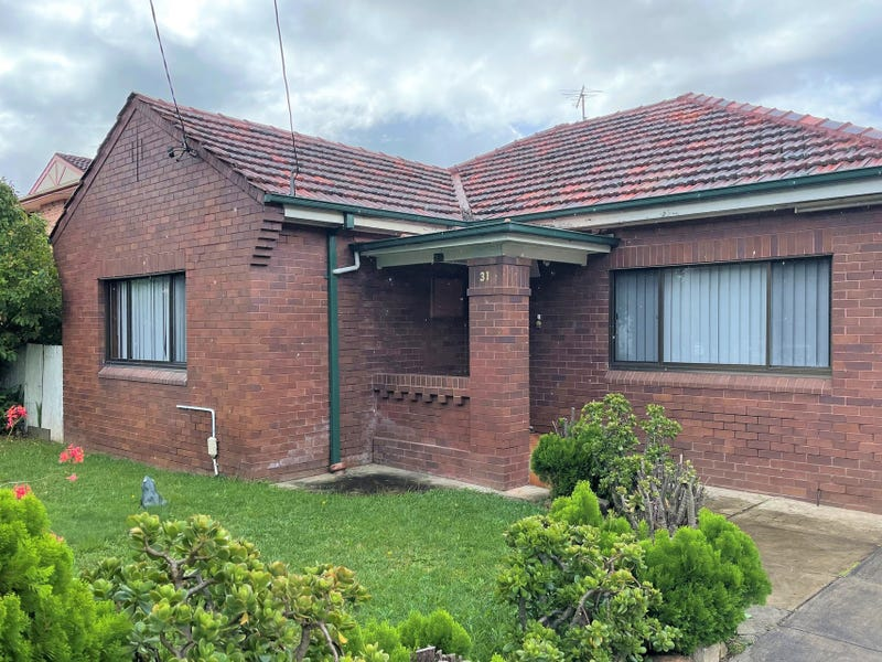 31 Brancourt Avenue, Bankstown, NSW 2200