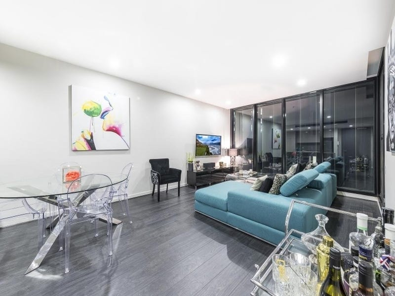 704/70 Queens Rd, Melbourne, Vic 3004
