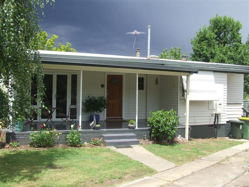 10 Chisholm St, Khancoban, NSW 2642