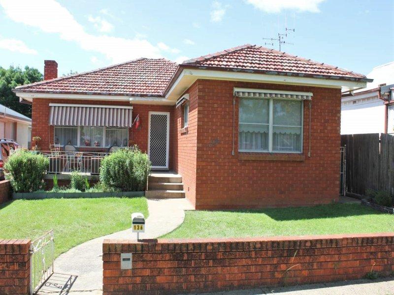 136 George Street, Bathurst, NSW 2795