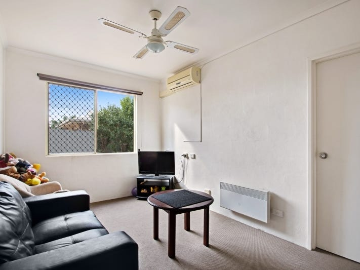 2/5 Uniplaza Court, Kearneys Spring, Qld 4350