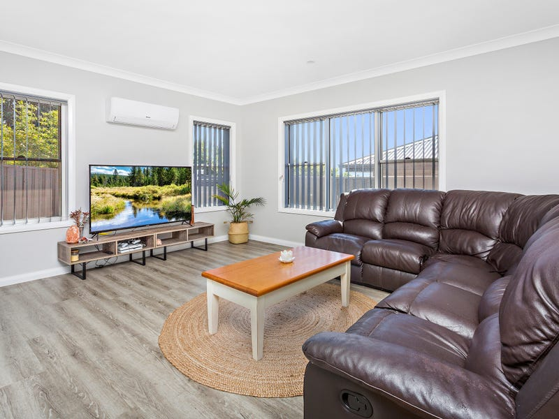 3/9 Harbour Boulevard, Bomaderry, NSW 2541
