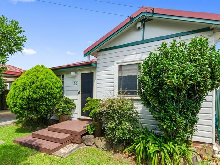 30 Railway Crescent, North Wollongong, NSW 2500