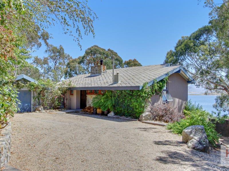 1 Rushes Bay Avenue, East Jindabyne, NSW 2627