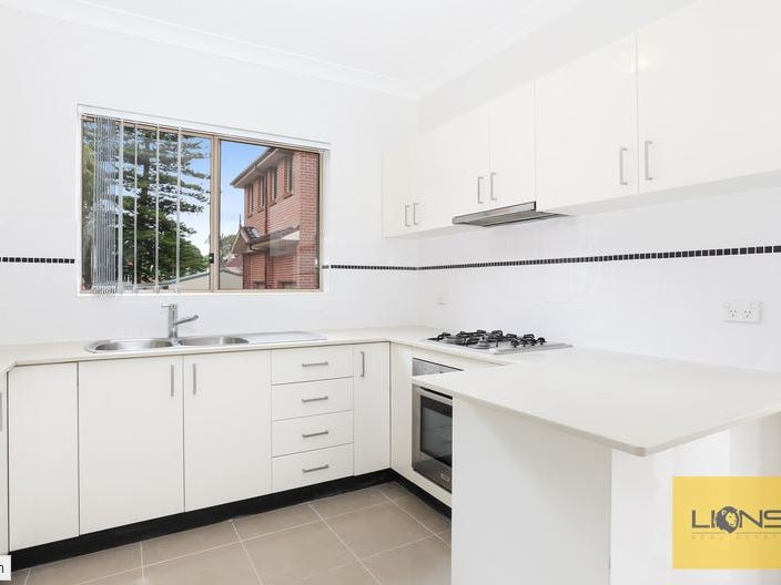 8/3 Highland Ave, Bankstown, NSW 2200