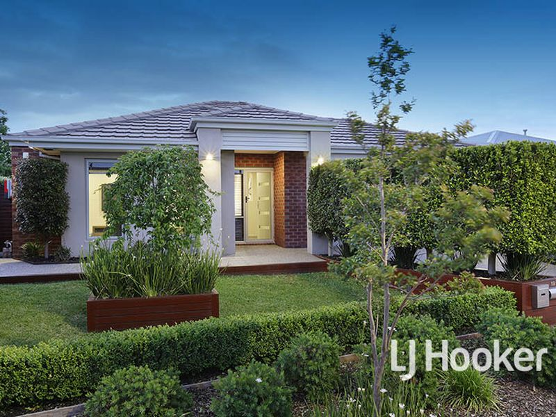 19 Tropic Circuit, Point Cook, Vic 3030