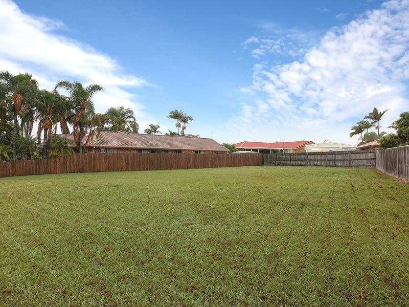 26 Lachlan Crescent, Sandstone Point, Qld 4511