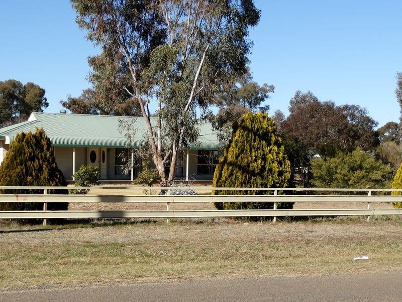 74 Long Street, Trundle, NSW 2875