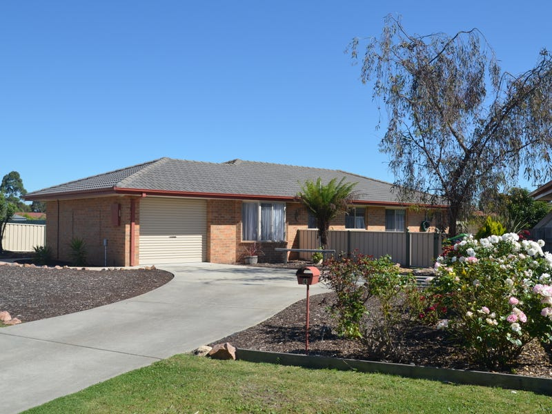 4 BANKSIA COURT, Lucknow, Vic 3875