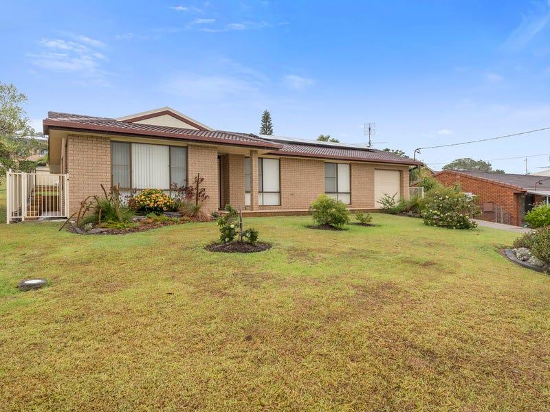 18 Crabbe St, Woolgoolga, NSW 2456