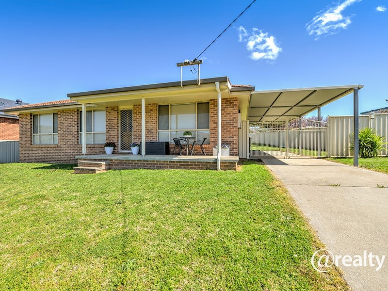 10 Leonora Crescent, Kootingal, NSW 2352