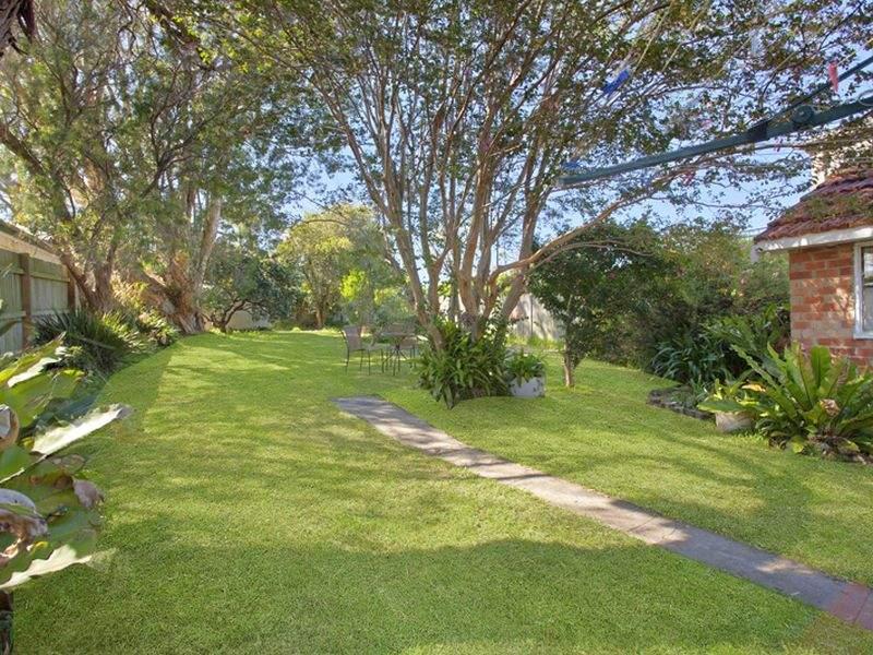 85 Consul Road North, Narraweena, NSW 2099