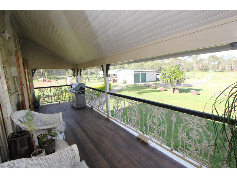 62 Harwoods Road, Walloon, Qld 4306