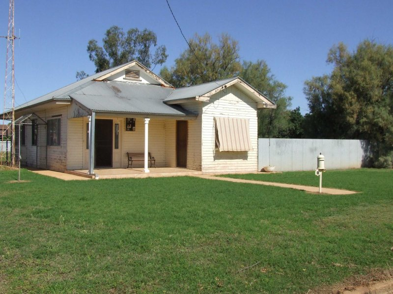 24 Campbell street, Trangie, NSW 2823