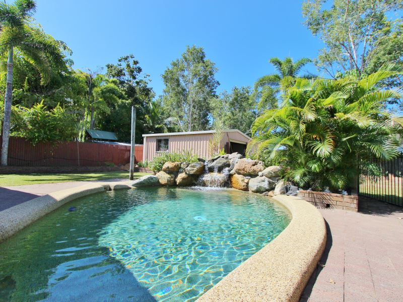 18 Queenscliff Close, Kewarra Beach, Qld 4879