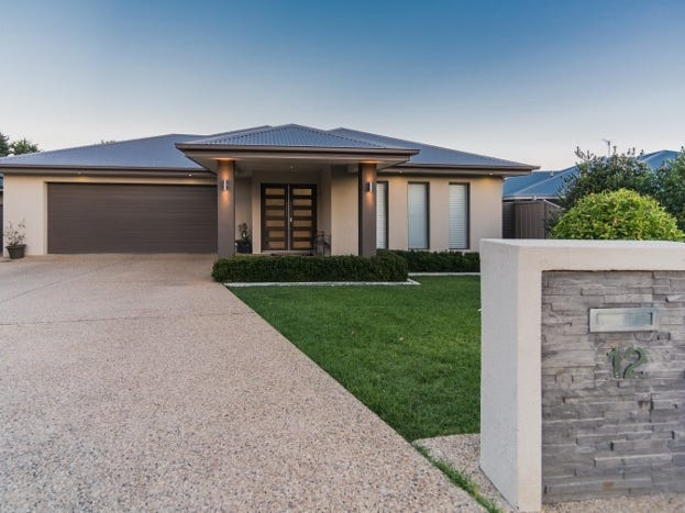 12 Clarence Place, Tatton, NSW 2650