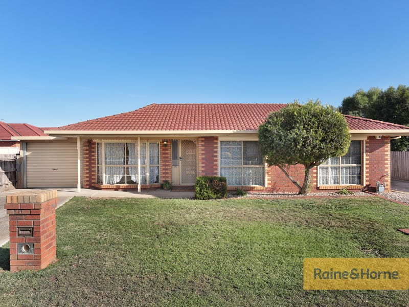 1/11 Phillip Street, Melton South, Vic 3338