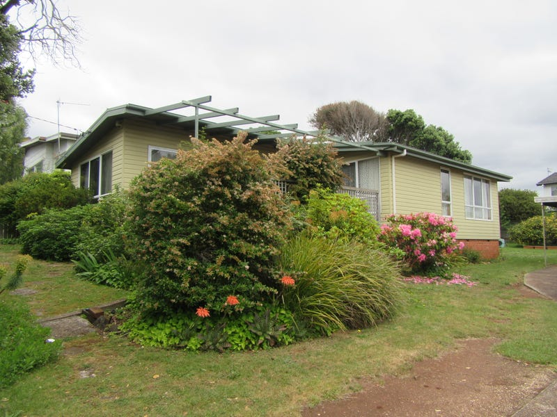 145 Upper George Street, Devonport, Tas 7310