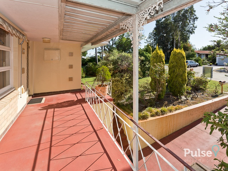 26 Peter Way, Rossmoyne, WA 6148