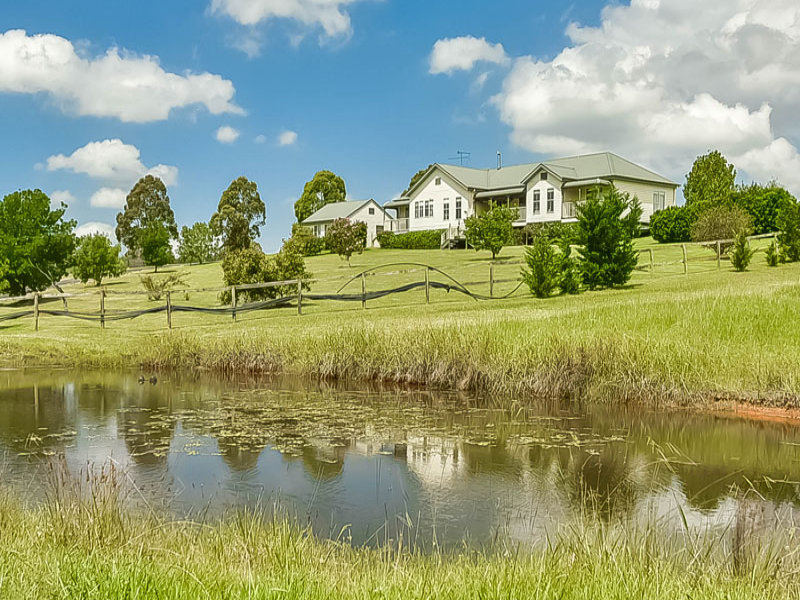 7 Clintara Crescent, Razorback, NSW 2571
