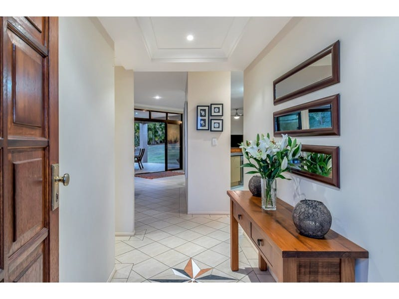 69 Pine County Place, Bellbowrie, Qld 4070