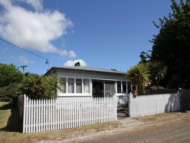 5 Kearles Street, Gravelly Beach, Tas 7276