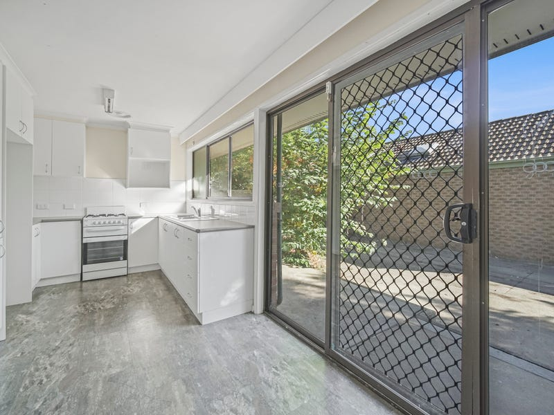 10 Cowcher Place, Stirling, ACT 2611