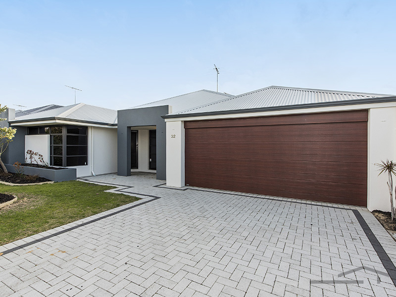 32 Seascapes Boulevard, Halls Head, WA 6210