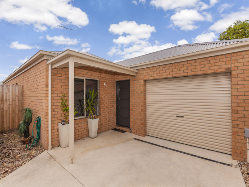 2/18 Curletts Road, Lara, Vic 3212