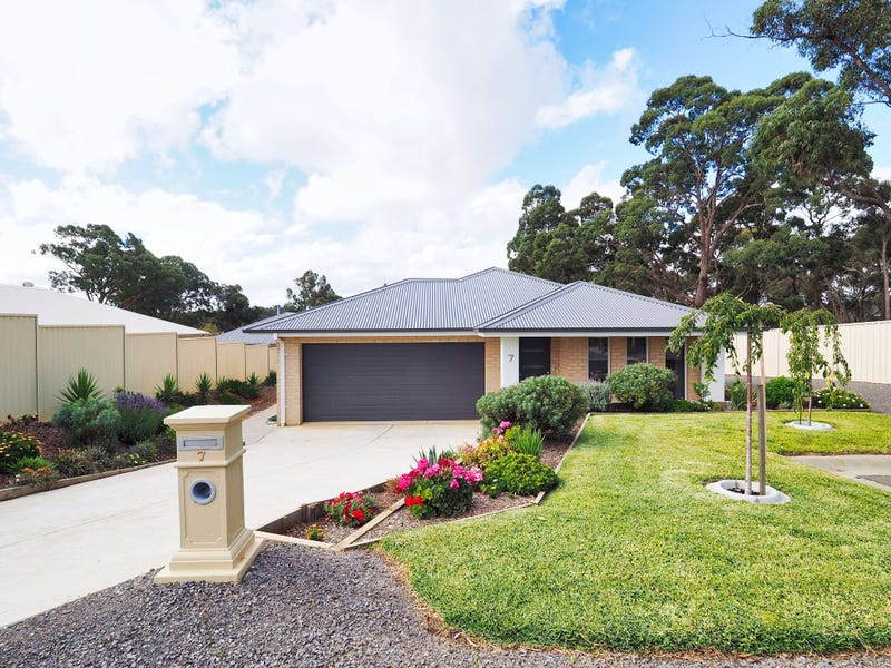 7 Heath Court, Beaufort, Vic 3373