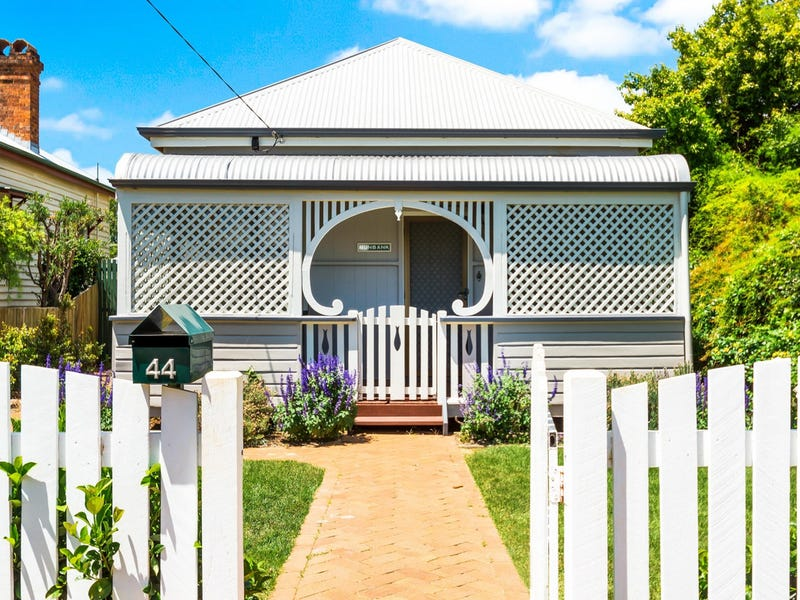 44 Eleanor Street, East Toowoomba, Qld 4350