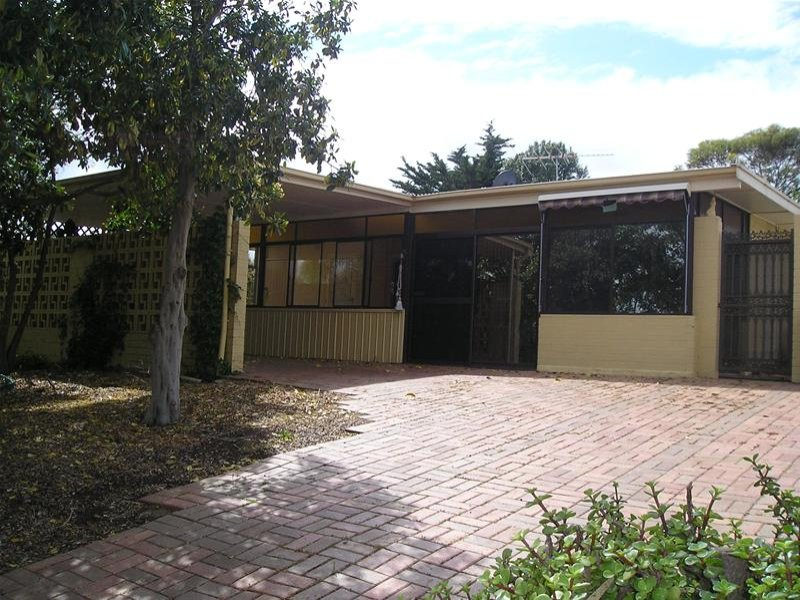 8 Sherley Drive, Para Hills, SA 5096