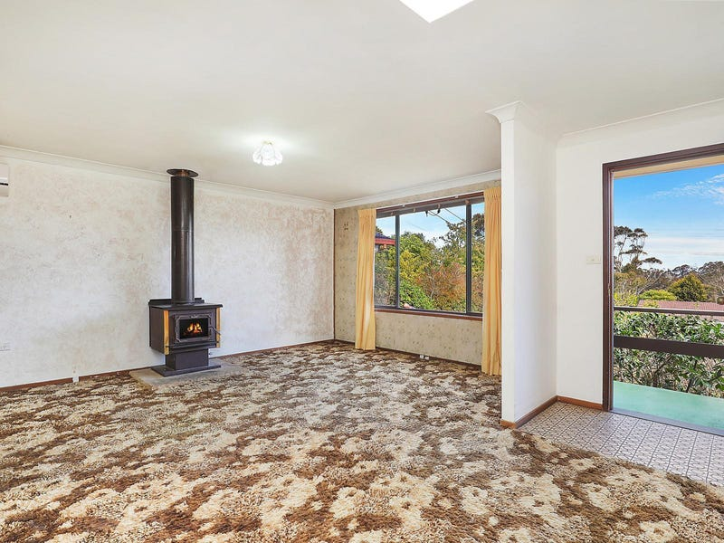 29 Cook Road, Wentworth Falls, NSW 2782