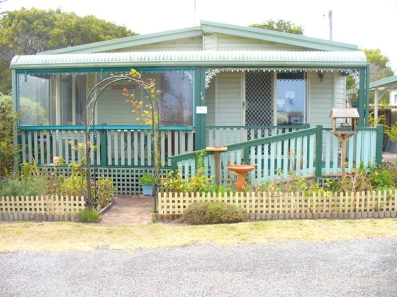 143-5th Avenue Rose Gardens, Emu Point, WA 6330