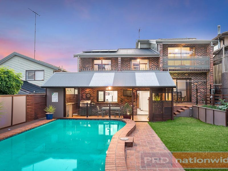 74 Burbank Avenue, Picnic Point, NSW 2213