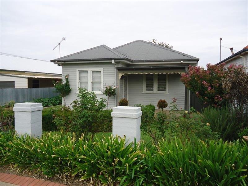 32 Evans Street, Wagga Wagga, NSW 2650