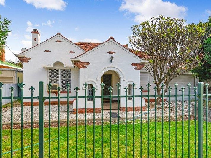 12 Findon Road, Woodville West, SA 5011