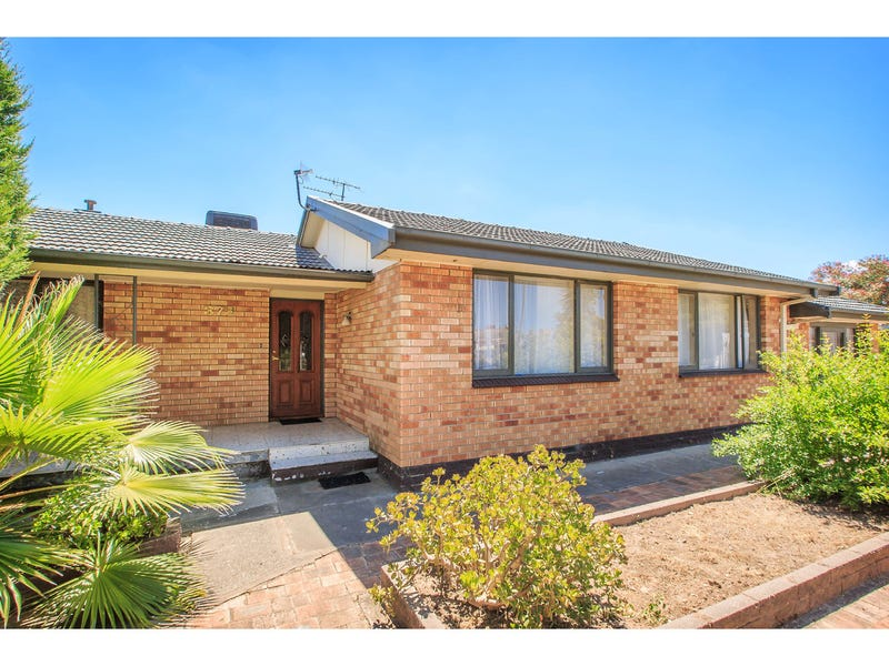 379 Prune Street, Lavington, NSW 2641