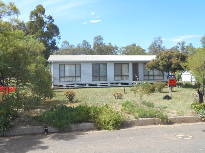 13 Florence Street, Hillston, NSW 2675