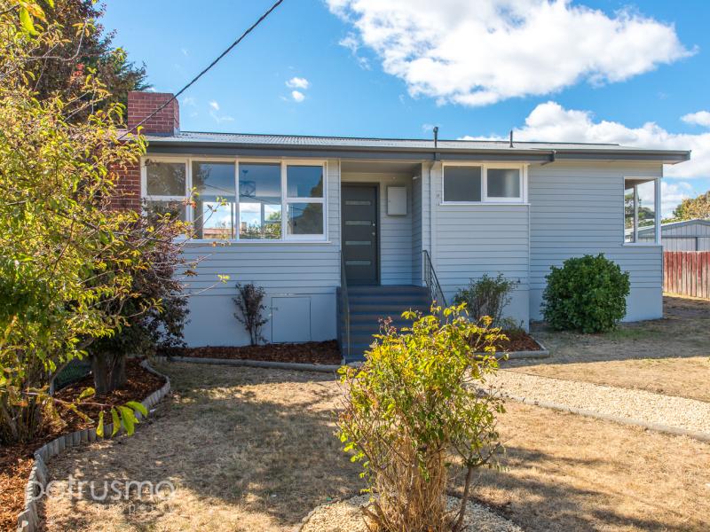 11 Maroubra Circle, Chigwell, Tas 7011