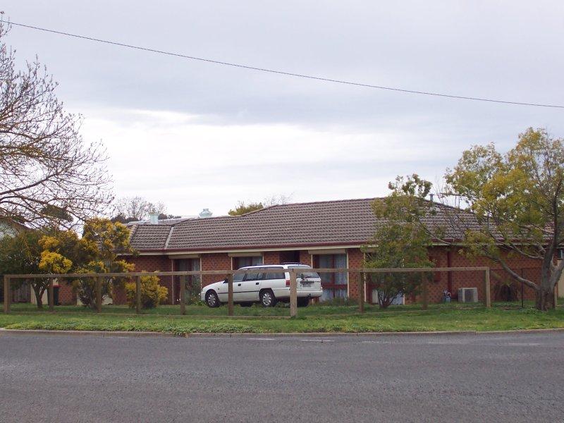 8 Stead Street, Ballan, Vic 3342