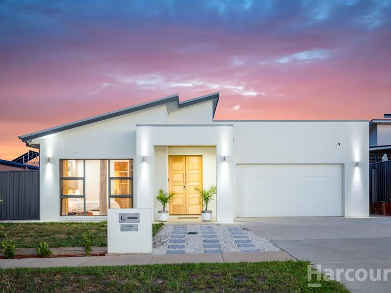 36 Terry Connolly Street, Coombs, ACT 2611