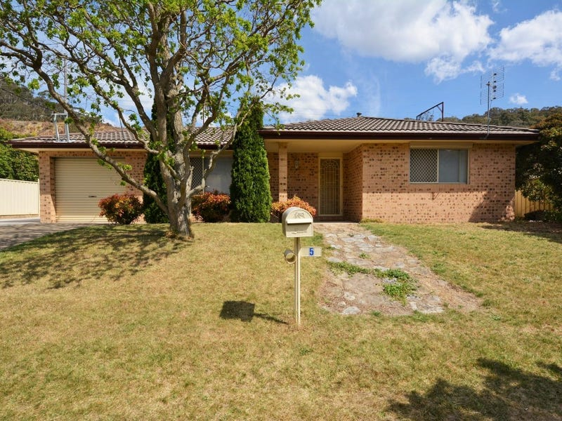 5  Bells Road, Lithgow, NSW 2790